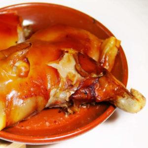 Cochinillo para dos personas para recoger y a domicilio Madrid | Restaurante Asador El Molino